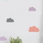 Stickers muraux nuages colorés.  Ajoutez une jolie dose de couleur et de poési...